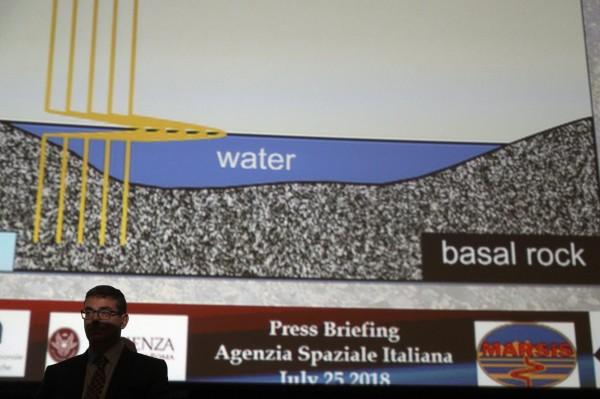 該論文的主要作者、義大利波隆納國家天文物理研究所的天體物理學家奧羅塞伊(Roberto Orosei)懷疑,火星可能還有其他隱藏的水體。(美聯社)