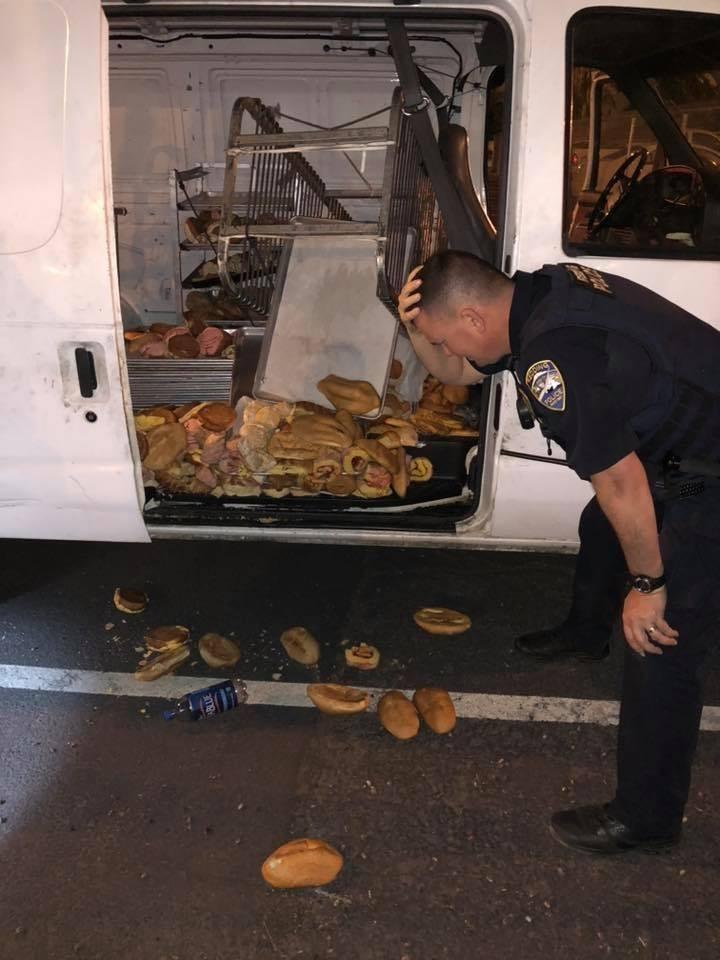 美國加州一輛甜甜圈貨車被竊,警察看到甜甜圈都不能吃了當場心碎。(圖擷自Redding Police Department臉書)