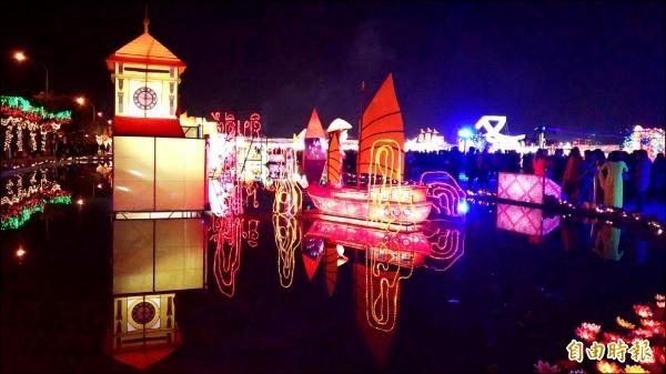 業者將去年燈會打造的「泰麗皇宮」改造為「愛神廟」。(資料照)