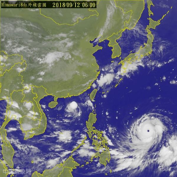 強颱「山竹」預估將於週五晚間至週六最接近台灣,包括恆春半島、宜花東、基隆及大台北東側都要留意風雨。(圖擷取自中央氣象局)