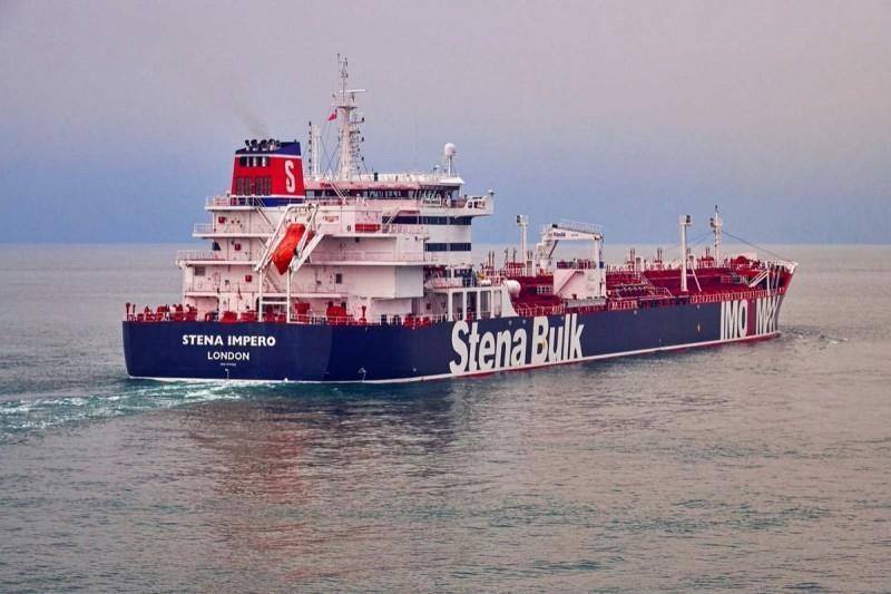 英國油輪「史丹納帝國號」(見圖)油輪,20日突遭伊朗扣押。(路透資料照)