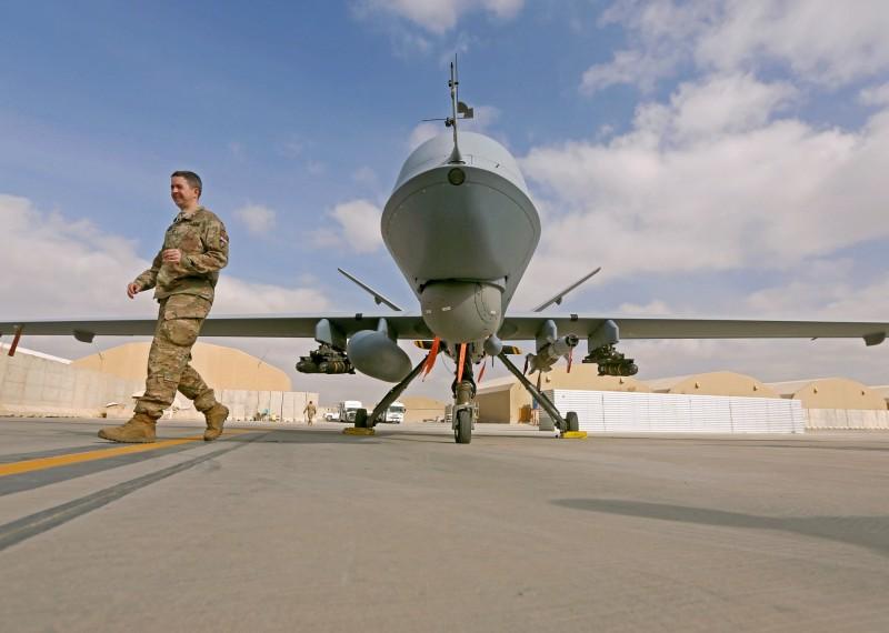 美國媒體報導,伊朗在攻擊油輪之前,向美軍MQ-9「死神」(Reaper,見圖)無人偵察機發射地對空飛彈,但未能命中目標而落入水中。(路透資料照)