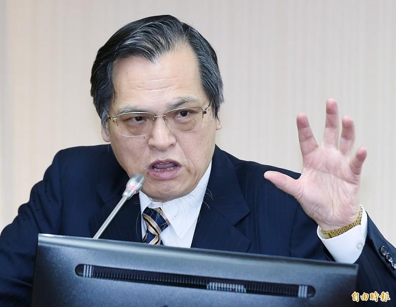 面對孔文吉詢問「敢不敢到北京喊中華民國」,陳明通回應:「他讓我去我就喊啊。」(記者廖振輝攝)