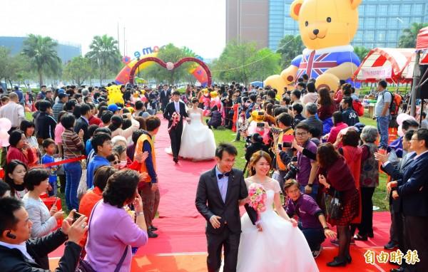 政治人物常會參加婚喪喜慶。圖為婚禮示意圖。(記者吳俊鋒攝)