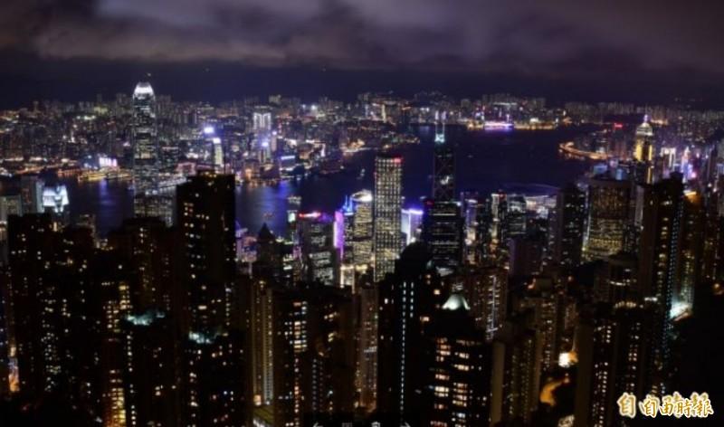 香港有亞洲金融中心之稱,獨立經濟學者認為,中國將香港摧毀無異於自宮。(資料照)