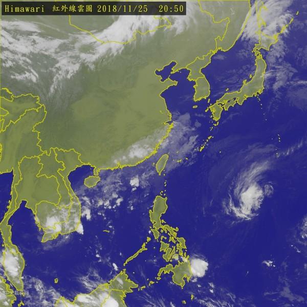 台灣上空有南方雲系,導致各地降雨機率增加。(圖擷取自中央氣象局)
