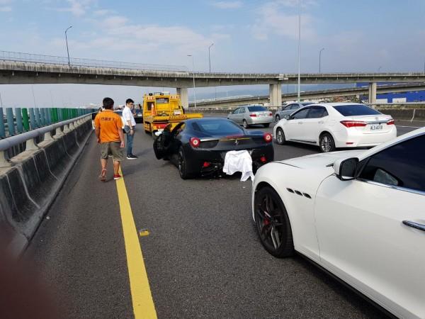 網友感嘆,鈴木汽車車主可能要賠到要賣腎了。(圖擷自臉書社團「台灣新聞記者聯盟資訊平台」)