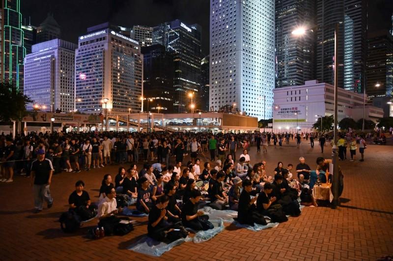 香港反送中今日將再上街抗議。圖為昨晚的一波抗議。(法新社)