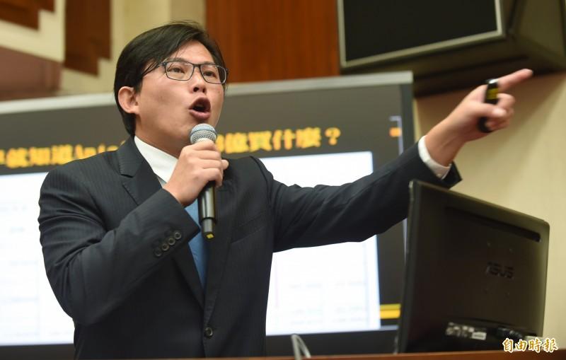 黃國昌表示,今(20)日上午將召開記者會,指控「中國獵豹科技」透過「阿里巴巴天貓」台灣總經理的內應配合,入主攸關台灣資安的運輸服務業。(資料圖)