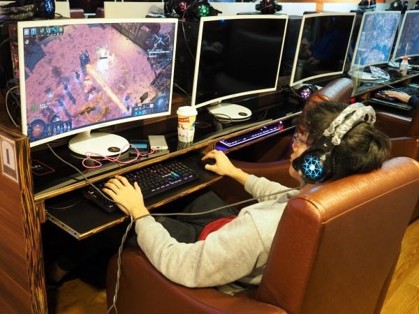 少年沉迷網路遊戲,多日不去學校上學。示意圖,與新聞無關。(歐新社)