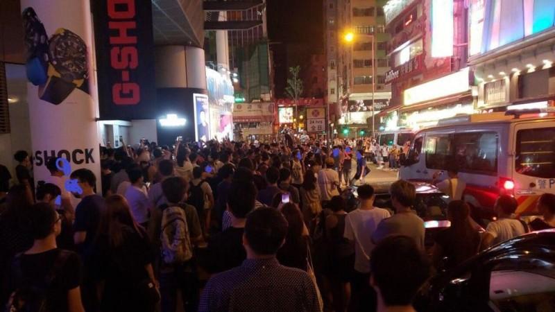 有香港網友發起「圍魏救趙」行動,號召港人至旺角街頭。(圖擷取自TG_926平民政總在現場)