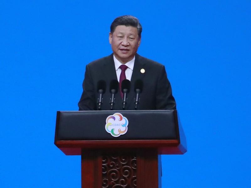瑞士媒體報導,美國的中國問題專家利明璋日前透露,中國國家主席習近平不久前曾要求中共高級幹部學習毛澤東著作,以因應與美國的貿易談判。(美聯社)