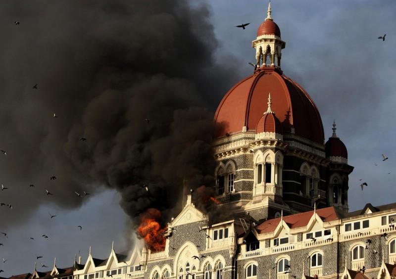 在2008年的孟買連環恐怖襲擊案中,擁有百年歷史的泰姬瑪哈酒店被恐怖份子襲擊,多次發生爆炸。(美聯社)