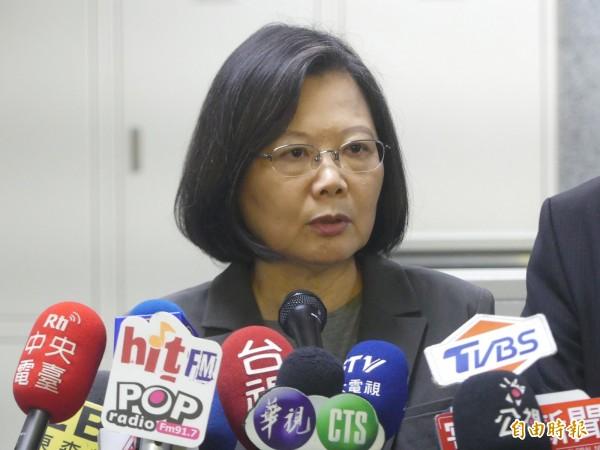 總統蔡英文指出,北京當局把「九二共識」重新定義為「一個中國、一國兩制」,這個名詞已不再有模糊空間,呼籲台灣各政黨不要再講「九二共識」。(資料照)