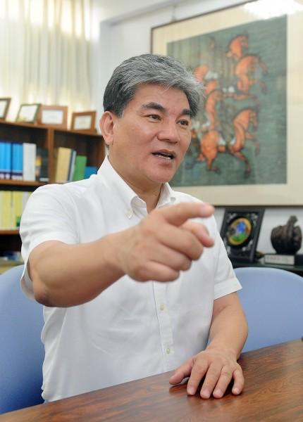 前內政部長李鴻源上午回應監聽案,表示並無此事。(資料照,記者廖振輝攝)