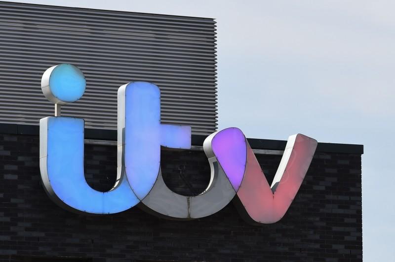 英國ITV製作的知名談話性節目《傑瑞米‧凱爾秀》(Jeremy Kyle Show)傳出來賓疑似在節目上接受測謊後自殺的事件,今(15)日ITV宣布將停止該節目的製作,結束長達14年的歷史。(法新社)