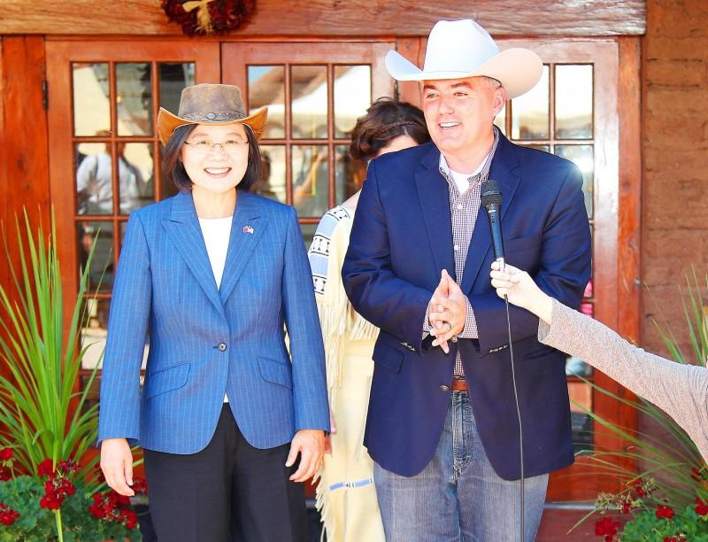 President Tsai Ing-wen, left, smiles as US Senator Cory Gardner talks to reporters in Denver, Colorado, on Saturday. Photo: CNA