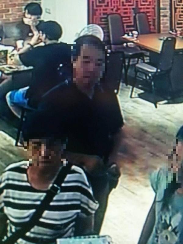 該家庭被監視器畫面拍到。(圖擷自爆料公社)