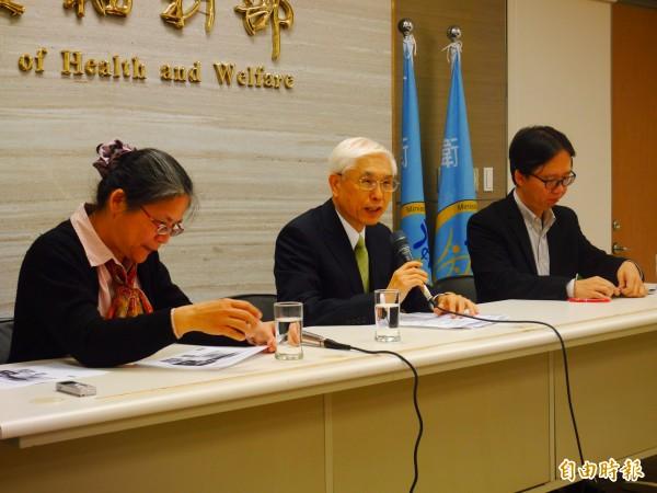 衛福部長林奏延說明長照政策。(記者林惠琴攝)