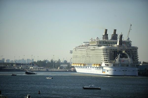 皇家加勒比遊輪公司的海洋綠洲號(Oasis of the Seas)發生諾羅病毒感染,造成475名乘客和機組人員染病。(美聯社)