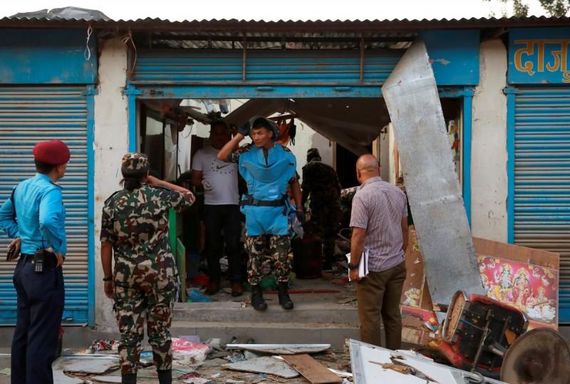 尼泊爾首都加德滿都(Kathmandu)今(26)日驚傳2起不明原因爆炸,至少3人死亡、5人輕重傷,軍警目前已封鎖現場進行調查。(路透)