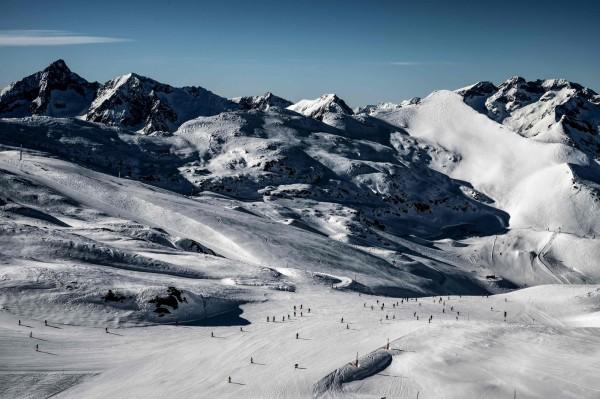 阿爾卑斯山脈大雪,奧地利、德國和義大利都傳出意外,已造成7人死亡、多人失蹤。(法新社)