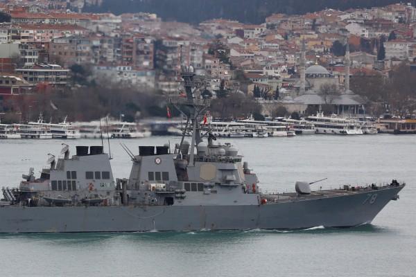 有外媒報導指出,近來俄國不斷在黑海派出戰鬥機逼近美國軍艦,其中一次更是飛近到軍艦的200公尺範圍內。(路透)