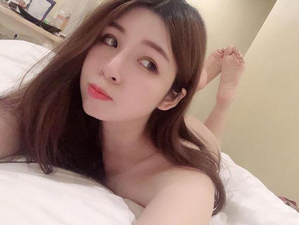 原來她是一名在菲律賓工作的網紅直播主,在Instagram也經常大曬好身材,也累積不少粉絲。(圖片擷取自IG )