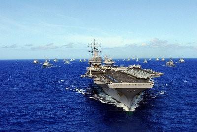 美國國防部公布「亞太海上安全策略」報告,其中「雷根號」航空母艦與「美利堅號」兩棲攻擊艦都將在今年進駐亞太,以應對逐漸擴張勢力的中國。(圖取自美國海軍網)
