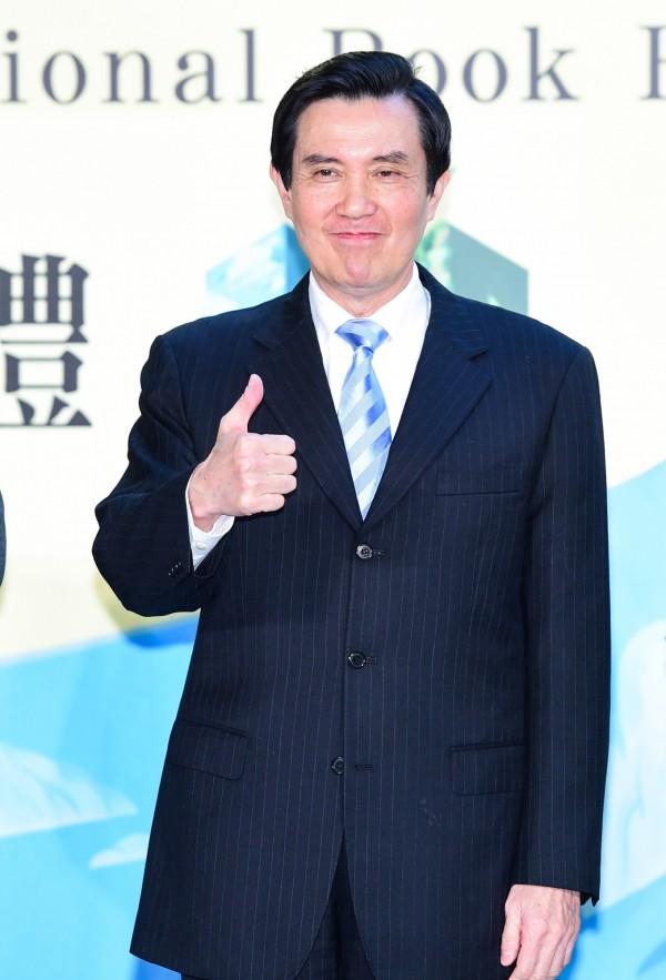 台灣未來部分地區將實施第二階段限水措施,總統馬英九在日前接受媒體採訪時也以身作則,拒絕工作人員添加茶水,聲稱「限水要節省用水。」 (資料照,記者王文麟攝)