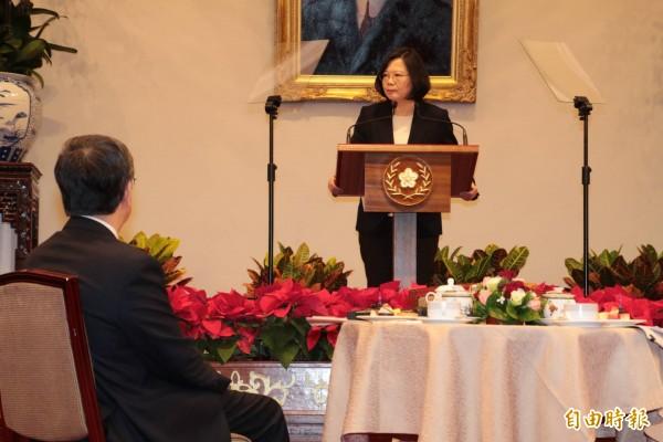 總統蔡英文今天與媒體進行茶敘。(記者蘇芳禾攝)
