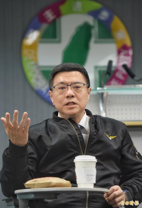 民进党主席卓荣泰表示,建议在3月16日立委补选后进行党内的总统候选人初选,5、6月处理立委初选。(记者方宾照摄)