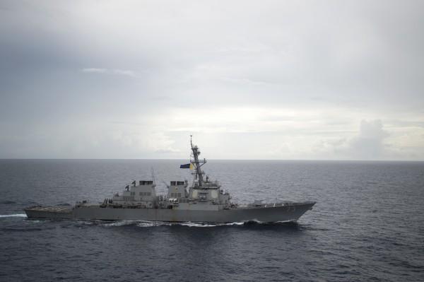 《紐約時報》報導,美中的衝突凸顯兩國未簽訂行為準則協議,兩國未來將持續在南海較量,遲早會爆發衝突。圖為美軍驅逐艦「迪凱特號」(USS Decatur)。(美聯社資料照)