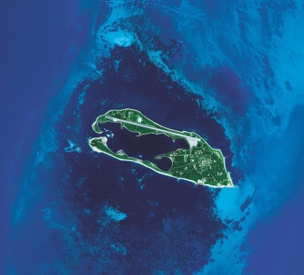 東沙島海洋觀光資源豐富,更有珍貴的環礁生態資源。(圖由中央大學提供)