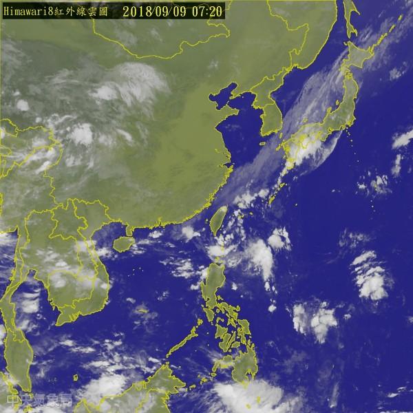 吳德榮提醒,「山竹」在往台灣方向移動途中將一路增強,極有可能是今年鄰近台灣的颱風中強度最強的。(圖擷取自中央氣象局)