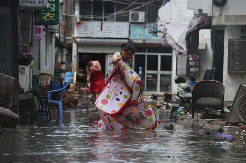 利奇馬颱風挾16級風力直撲中國華東,是中共政權自1949年成立以來,登陸中國時風速第三高的颱風,造成多省嚴重災情。(路透)