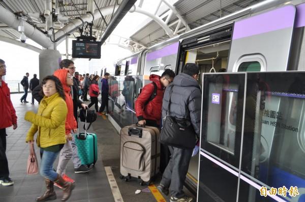 機場捷運17日晚間10點多傳出列車在山鼻站因號誌異常、嚴重誤點。圖為示意圖。(資料照,記者周敏鴻攝)