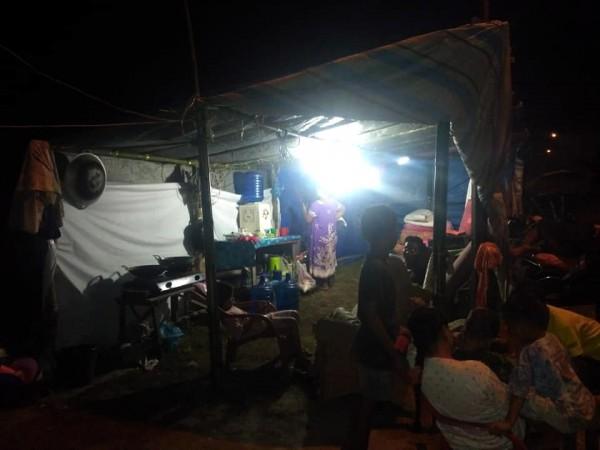 印尼巽他海峽(Sunda Strait)22日晚間發生海嘯,造成嚴重死傷。(歐新社)