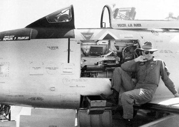 年輕的弗勞利相當帥氣。(圖擷自Royal Australian Air Force臉書)