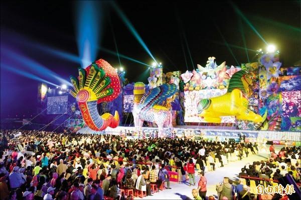 台中花博開幕晚會,民眾熱情參與。(資料照)