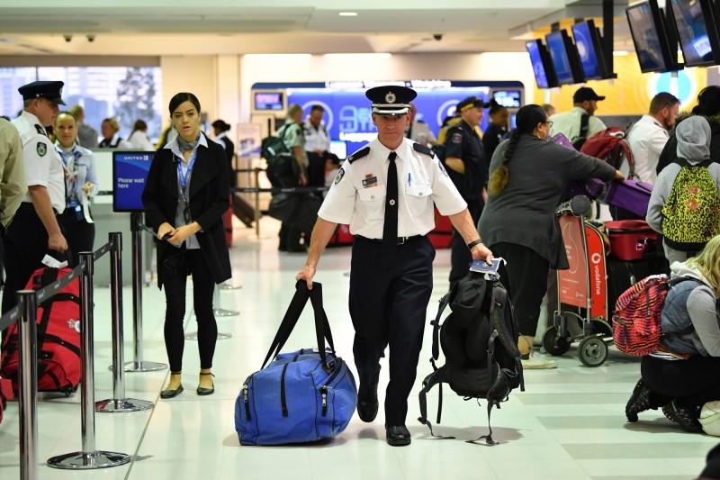 澳洲近日公布新令,自本月17日起,只要查獲持旅遊簽證者攜帶任何違禁品,可能會被即刻取消簽證,立刻遭當局遣返。圖為示意圖。(歐新社)