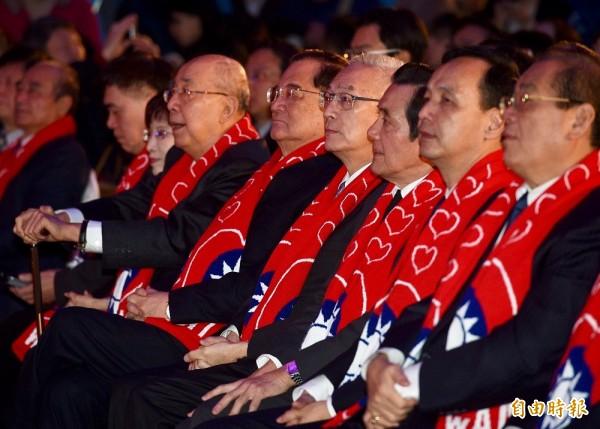 故總統蔣經國逝世30週年紀念大會13日於台北國軍英雄館舉行,藍營要角皆出席展現團結氣勢。(記者羅沛德攝)