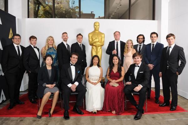 第42屆學生奧斯卡頒獎典禮17日在洛杉磯舉行,台灣學生祖小雲(中)導演的動畫短片「夢翔」(Soar)贏得最佳動畫片金獎。 (法新社)