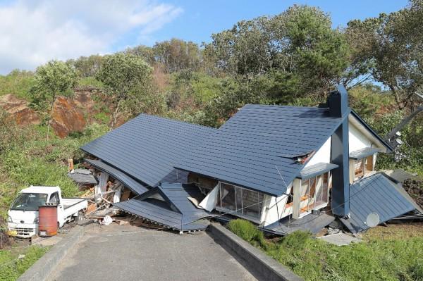 日本北海道遭芮氏規模6.7強震襲擊,死傷人數增至44死660傷。(法新社)