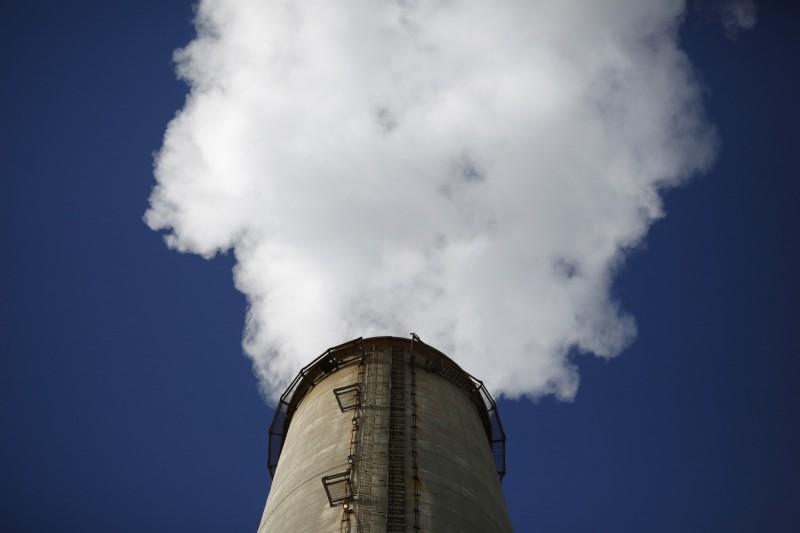 大氣中的二氧化碳濃度突破415ppm,創下人類歷史上的新高。(彭博)