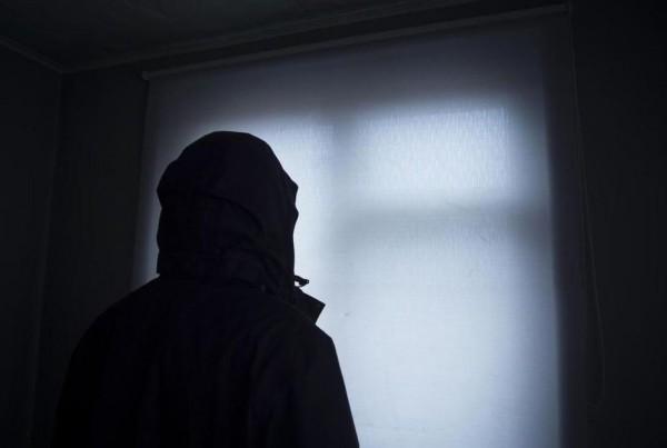 集中營倖存者向媒體表示,車臣當局要求家長榮譽處決同性戀兒子。(圖擷自推特)