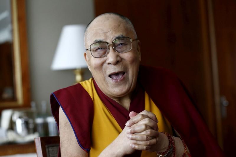 賴喇嘛曾獲得1989年諾貝爾和平獎,致力於照顧流亡藏人權益。(路透檔案照)