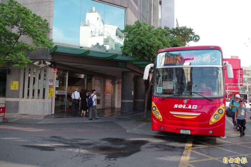 助客運業者改善營運 公路總局開放換小車或整合班次
