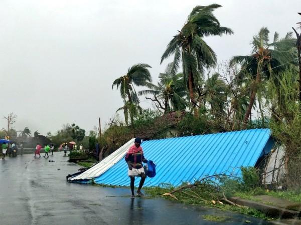 印度遭氣旋襲擊,造成嚴重損傷。(路透)