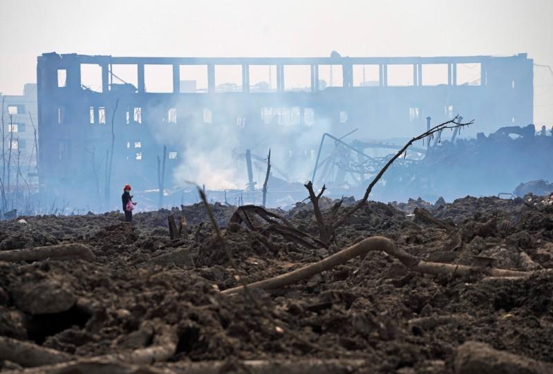 江蘇大爆炸目前仍有多人失蹤,消防單位表示,爆炸威力強大,不排除失蹤者已瞬間「汽化」。(路透)